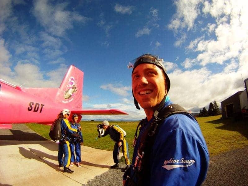 Skydiving in Lake Tapou